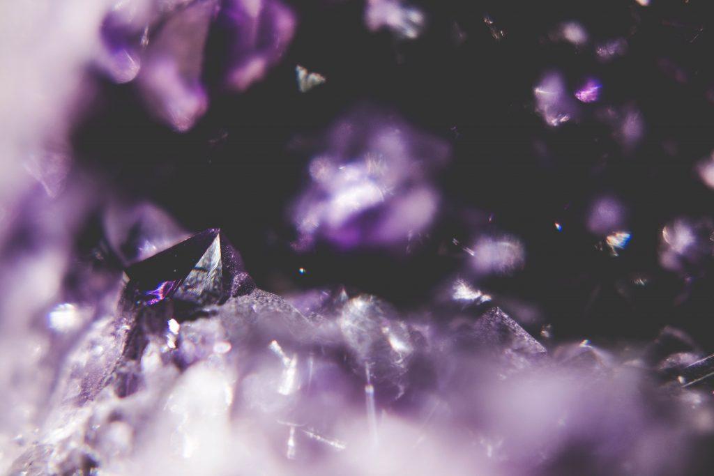 De genezende krachten van kristallen, maar hoe werkt dat nou eigenlijk?